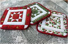 Potholders - tutorial for the quilt block here: http://artthreads.blogspot.com/2011/07/christmas-in-july-north-star-quilted.html