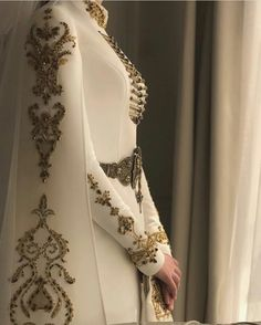 Look like royalty on your special day with this beautiful hand finished couture gown! Tag a bride who would love this dress! Pretty Dresses, Beautiful Dresses, Hijab Fashion, Fashion Dresses, Fantasy Dress, Costume Design, The Dress, Dress Long, Designer Dresses