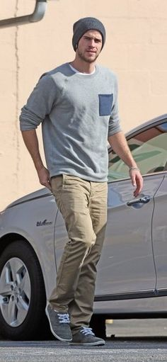 Liam Hemsworth Height: 6'3 Hair/Eye Color: Dirty Blonde/Brown How to describe him: HOT