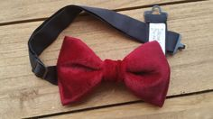 Hey, I found this really awesome Etsy listing at https://www.etsy.com/listing/256783066/pre-tied-bow-tie-in-velvet-burgundy