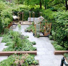 The Best Urban Garden Design Ideas For Your Backyard 03 Urban Garden Design, Vegetable Garden Design, Vegetable Gardening, Small Gardens, Outdoor Gardens, Modern Gardens, Garden Modern, Amazing Gardens, Beautiful Gardens