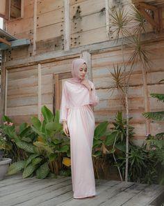 Image may contain: 1 person, standing Kebaya Lace, Kebaya Dress, Dress Pesta, Hijab Dress, Dress Outfits, Hijab Outfit, Prom Dresses Long Modest, Hijab Wedding Dresses, Formal Dresses For Weddings