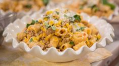 Make Giada De Laurentiis' 10-minute rigatoni with sweet corn and spicy sausage for a fast, fresh and fuss-free dinner.