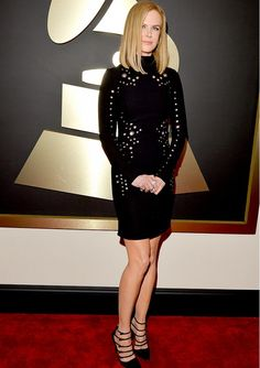 Nicole Kidman rocked it in a more understated way than her usual at the Grammy Awards Red Carpet. Loved it! @WhoWhatWear