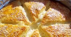 Από την πιο εύκολη ωραιότερη γευστική υπέροχη σπιτική Κασερόπιτα που θα έχετε φτιάξει !!   ΣΥΝΤΑΓΗ:  Βάζουμε στο μπολ 200 ml χλιαρό φρέσκ... Apple Pie, Cornbread, French Toast, Breakfast, Ethnic Recipes, Desserts, Facebook, Food, Millet Bread