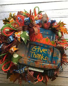 Fall Wreath, Fall Thanksgiving Wreath for Front Door, Fall Door Wreath, Rustic Fall Wreath, Fall Pickup Truck Wreath, Fall Home Decor, Fall Decorative Wreath, Rustic Wreath, Rustic Pickup Truck, Fall Pumpkins, Pumpkin Wreath, Rusty Old Truck