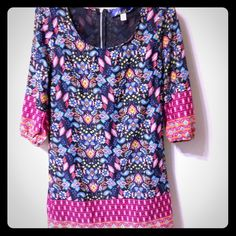 Floral dress Adorable dress, zips up in the back. In great condition. 3/4 length sleeves! Dresses Midi