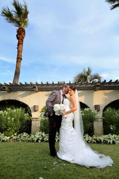 Meredith and Trey had a beautiful wedding at The Hotel Galvez and we were so happy to be a part of it!