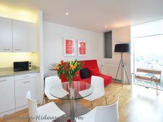 Living room Furnished Apartments, One Bedroom, Skyline, King, Flooring, Living Room, Modern, Table, Furniture