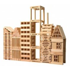 1000 KAPLA blocks and two instruction booklets. The blocks come in a wooden pack on casters that is easy to displace. Ideal for larger groups, schools o… Wooden Building Blocks, Wooden Blocks, 3d Modelle, Wooden Buildings, Natural Building, Diy Holz, Diy For Kids, Plank, Kids Toys
