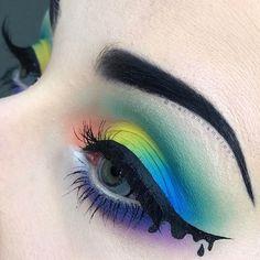 WEBSTA @ marioncameleon - P A S T E L  G O T H @katvondbeauty__________BROWS : /tartecosmetics/ Clay paint liner_EYES : /katvondbeauty/ The Pastel Goth Palette