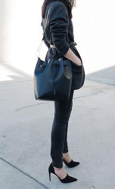 LV Black bucket bag #Louis Vuitton