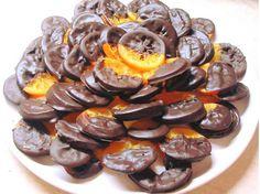 """Η Συνταγή είναι της κ. Gogo Samiou - """"ΟΙ ΧΡΥΣΟΧΕΡΕΣ / ΗΔΕΣ"""". Δοκιμάστε αυτό το γλυκάκι και θα το κάνετε πολλές φορές! Εύκολο και οικονομικό! ΥΛΙΚΑ 8 Πορτοκάλια μικρά 2 ποτήρια νερό 2μιση ποτήρια του νερού ζάχαρη (Μπορείτε να βάλετε Cookbook Recipes, Cooking Recipes, Biscotti Cookies, Party Desserts, Greek Recipes, Love Is Sweet, Mini Cupcakes, Caramel Apples, Food To Make"""