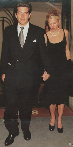 1996 - Wedding reception at Caroline's house  #JFKJr #CarolynBessette
