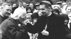 """Biserica Tăcerii"": Documentar Radio Europa Liberă Che Guevara, Couple Photos, Couples, Europe, Couple Shots, Couple Pics, Couple Photography, Romantic Couples, Couple"