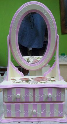 Pintura decorativa. Cute Furniture, Painted Furniture, Jewellery Boxes, Jewellery Storage, Mirror Painting, Painting On Wood, Kids Bedroom Designs, Decoupage Art, Country Paintings