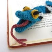 Amigurumi Minion Bookmark - Allcrochetpatterns.net