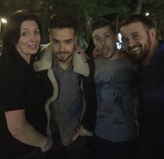 | ONE DIRECTION LIAM PAYNE TREATS FANS TO SELFIES IN HIS LOCAL SUPERMARKET! | http://www.boybands.co.uk