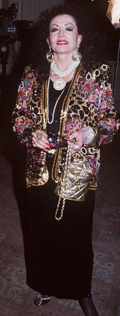 Esta ilustre senhora é Jackie, a mãe do ator Sylvester Stallone. Sua obsessão pela busca da beleza nos mostra o que acontece quando a cirurgia plástica é levado ao extremo. É muito triste, para não dizer bizarro! Confira! Recomendamos:A Mãe Natureza é verdadeiramente magníficaCoisas impressionantesShot [...]