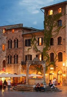 Piazza Duomo, the main square in the medieval town San Gimignano, a UNESCO Herit. - Italy - Piazza Duomo, the main square in the medieval town San Gimignano, a UNESCO Heritage site in Tuscany - Places Around The World, Oh The Places You'll Go, Places To Travel, Places To Visit, Around The Worlds, Wonderful Places, Beautiful Places, Beautiful Flowers, Under The Tuscan Sun