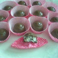 Check out this scrumptuous cooking,  recipe to make Oreo Truffles