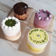 These cute and sweet Easter cookies will certainly inspire little children at your home. Pretty Cakes, Cute Cakes, Mini Cakes, Cupcake Cakes, Nake Cake, Cafe Food, Macaron, Sweet Cakes, Let Them Eat Cake