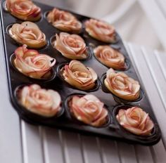 Inspiration for Mini Dessert Bar. easy apple desserts how to make apple roses tarts muffins Apple Desserts, Apple Recipes, Just Desserts, Sweet Recipes, Dessert Recipes, Apple Rose Tart, Apple Roses, Apple Pie, Mini Apple