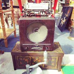 Today's flea #1 #vintage #fleamarket #flohmarkt #brocante #flea #old #antiques #starocie #stararzeznia #poznan #rust #patin #rustic #fleamarketfinds #antiques #retro #Poland #radio