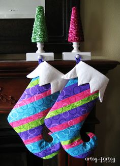 artsy-fartsy mama: DIY Stocking Hangers