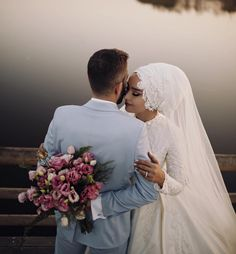 Contact: 0 723 08 34 💑💞👗💍📞 Wholesale Wedding Dress Engagement Evening Dresses Order is made th Muslim Wedding Gown, Hijabi Wedding, Muslim Wedding Dresses, Wedding Hijab Styles, Muslim Brides, Pre Wedding Poses, Wedding Couples, Wedding Bride, Wedding Photos