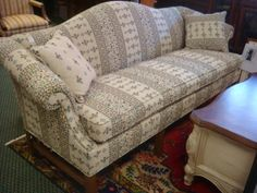 9: North Carolina FRIENDSHIP CO Single Cushion Sofa. : Lot 9