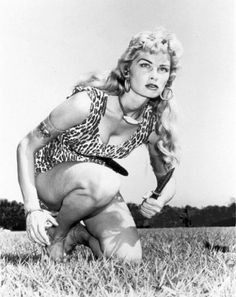 z- Nellie Elizabeth- 'Sheena, Queen of Jungle' (TV) Hollywood Stars, Old Hollywood, Hollywood Glamour, Weird Stuff On Amazon, Hero's Journey, Cinema, Classic Tv, Timeless Beauty, Classic Beauty