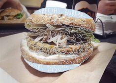 Special veggie burger - Vegusta, Roma   #patatabollente#patatabollenteroma #roma #romavegana #healthyfood #vegan #veganfood#veganfoodshare #vegetarian #whatveganseat #animalfriendly #foodroma#romafood #italyfood