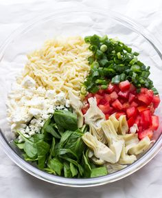 Littlebroken pasta salad with spinach, orzo salad recipes, feta pasta, ve. Pasta Salad With Spinach, Feta Pasta, Orzo Salad Recipes, Spinach And Feta, Soup And Salad, Spinach Salads, Crab Salad, Spinach Recipes, Salad Bowls