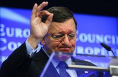 """José Manuel Durao Barroso de la #CE a Goldman Sachs  Y ha sido transparente: se dedicará al tráfico de influencias, para """"mitigar los efectos negativos"""" del Brexit sobre el banco. Han leído bien: no de los perjuicios del Brexit y de las pendencias de esa casa de banca contra los europeos, como se supondría por su anterior cargo y porque somos los contribuyentes europeos quienes hemos venido pagando su sueldo y su pensión."""