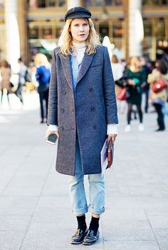 Loafers with socks, stockholm street style, cuffed jeans, street style look Womens Fashion Sneakers, Womens Fashion For Work, Look Fashion, Net Fashion, White Oversized Sweater, Oversized Pullover, Outfit Jeans, What To Wear Tomorrow, Street Style