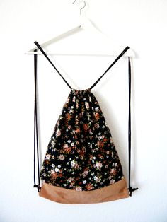 flower gymbag #turnbeutel #blumen #leather #flowers