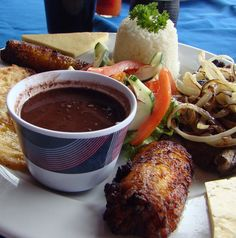 Costa Rica Vacations - 20 Quick Tips for Budget Travel: Eat Like a Local