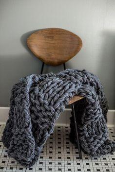 chunky blanket ou couverture de grosse maille cosy- gris Diy Couverture  Laine, Couverture Grosse 856770d2a7d