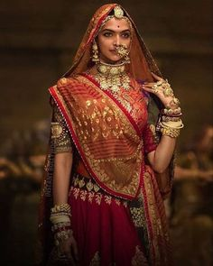 Bollywood has given us some of the most drool-worthy bridal looks thanks to style icons such as Anushka Sharma, Alia Bhatt, Deepika Padukone and Sonam Kapoor and their various films. Bollywood Bridal, Bollywood Fashion, Bollywood Actress, Indian Attire, Indian Wear, Indian Dresses, Indian Outfits, Aya Sophia, Deepika Padukone Style