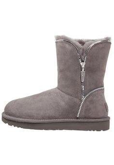 UGG FLORENCE Korte laarzen grey, 209.95, http://kledingwinkel.nl/shop/dames/ugg-florence-korte-laarzen-grey/