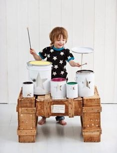Come già detto, la musica offre un ambiente di molteplice sensorialità e promuove gioia e fiducia nei bambini. Esporre i nostri figli ad ...
