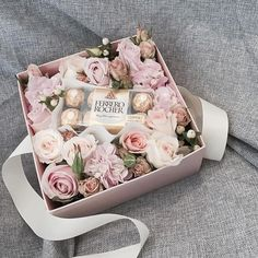 70 Chocolate gift for Valentine's Day ideas 53 1 - Valentinstag Valentine Box, Saint Valentine, Valentine Day Gifts, Valentine Flowers, Flower Box Gift, Flower Boxes, Edible Favors, Best Wedding Favors, Chocolate Bouquet