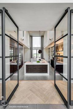 Door Design, House Design, Minimalist Kitchen, Living Room Inspiration, Interior Design Living Room, Decoration, Kitchen Design, House Styles, Home Decor