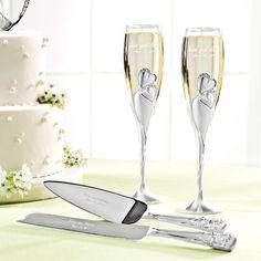 Twin Hearts Toasting Flutes | #exclusivelyweddings | #toastingflutes