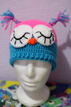 He encontrado este interesante anuncio de Etsy en https://www.etsy.com/es/listing/513517415/gorro-tejido-a-crochet-personaje-buho