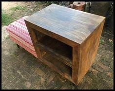 ตู้ไม้เก็บของพร้อมเบาะนั่ง (Retro Seat Shelving Cabinet )