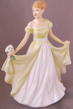 Royal Doulton Porcelain Flower of the Month JANUARY SNOWDROP Figurine HN 5500 http://www.ebay.com/