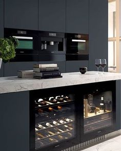 12 Nice Ideas for Your Modern Kitchen Design black kitchen units interior design Kitchen Inspirations, Kitchen Inspiration Modern, Modern Black Kitchen, Modern Interior Design, Modern Kitchen Countertops, Kitchen, Kitchen Innovation, Cabnits Kitchen, Miele Kitchen