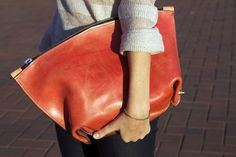 """Don't know the brand of this bag. The original site has it as """"factory style bag""""."""